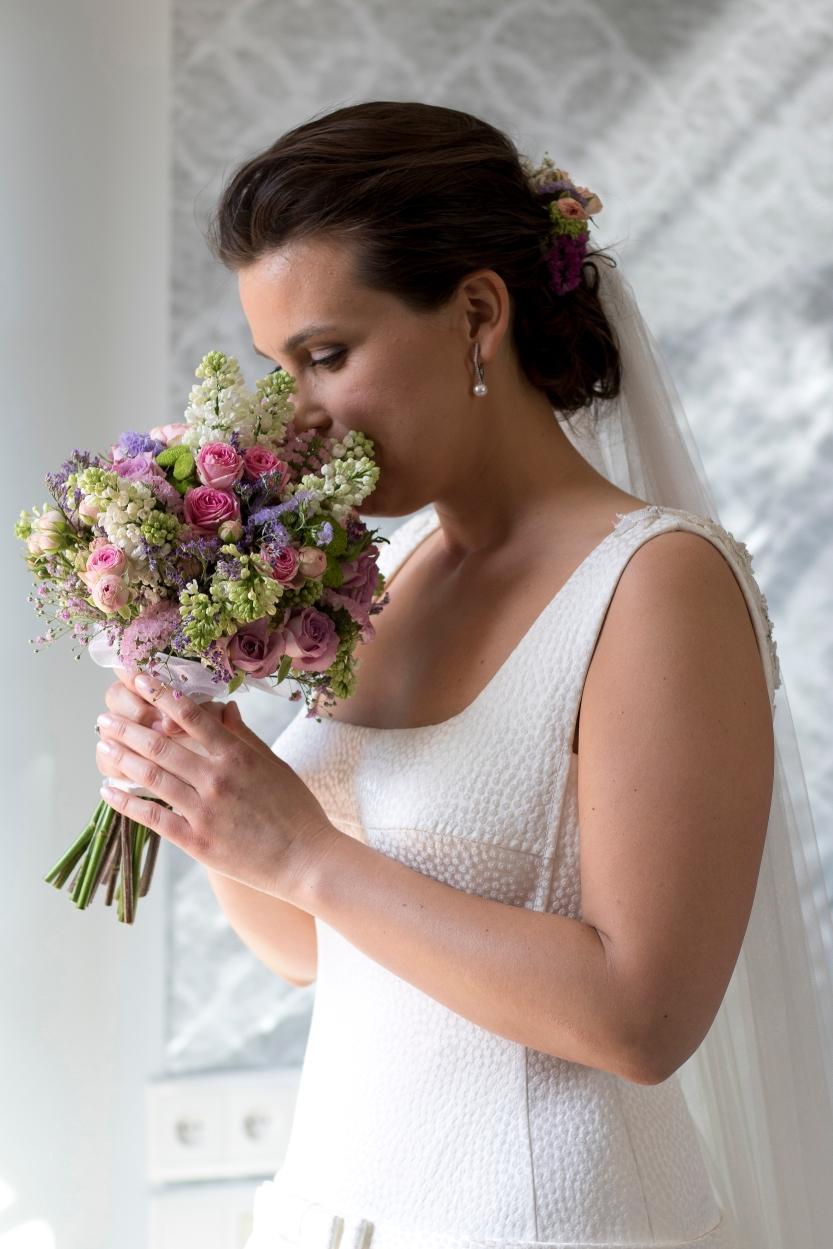 003. La novia